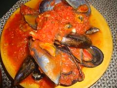 vegetable(0.0), fish(0.0), asam pedas(0.0), produce(0.0), curry(1.0), seafood(1.0), bouillabaisse(1.0), food(1.0), dish(1.0), cuisine(1.0), mussel(1.0),