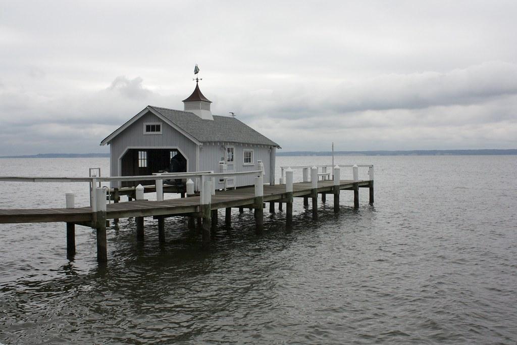Cobb Island Hotels