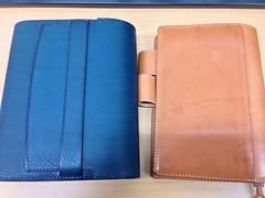 カンダミサコの文庫サイズ手帳カヴァとほぼ日手帳用ヌメ革カヴァ