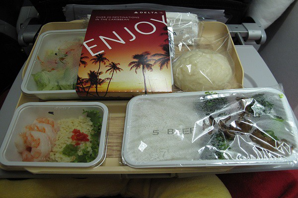 delta.airways.inflight.food.1