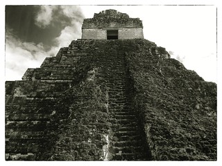 Attēls no  Temple I pie  Tikal. stone sepia temple ancient pyramid maya guatemala mayan tikal rugged