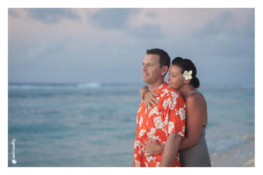 Blue. engagement photographer Cook Islands