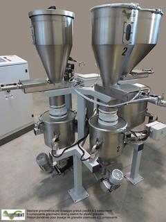 Stazione gravimetrica di dosaggio per granuli plastici a 3 componenti