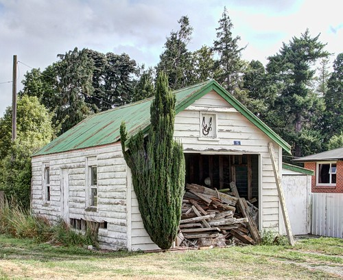 old newzealand house building abandoned home century rural decay colonial cottage canterbury nz derelict dilapidated 19th orari deterioration woodshed oldandbeautiful