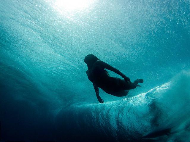 alisonsadventures_gopro_underwater_cloudbreak(1).jpg