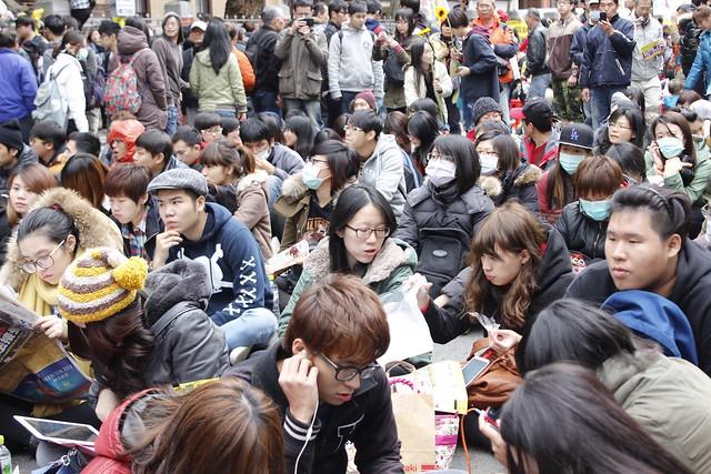 別再抹黑我們了!100位學生走上街頭的真正理由