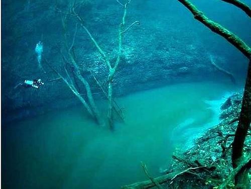 Menakjubkan, Ada Sungai di Bawah Lautan