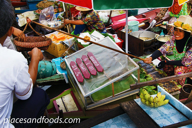 Khlong Hae Floating Market boats