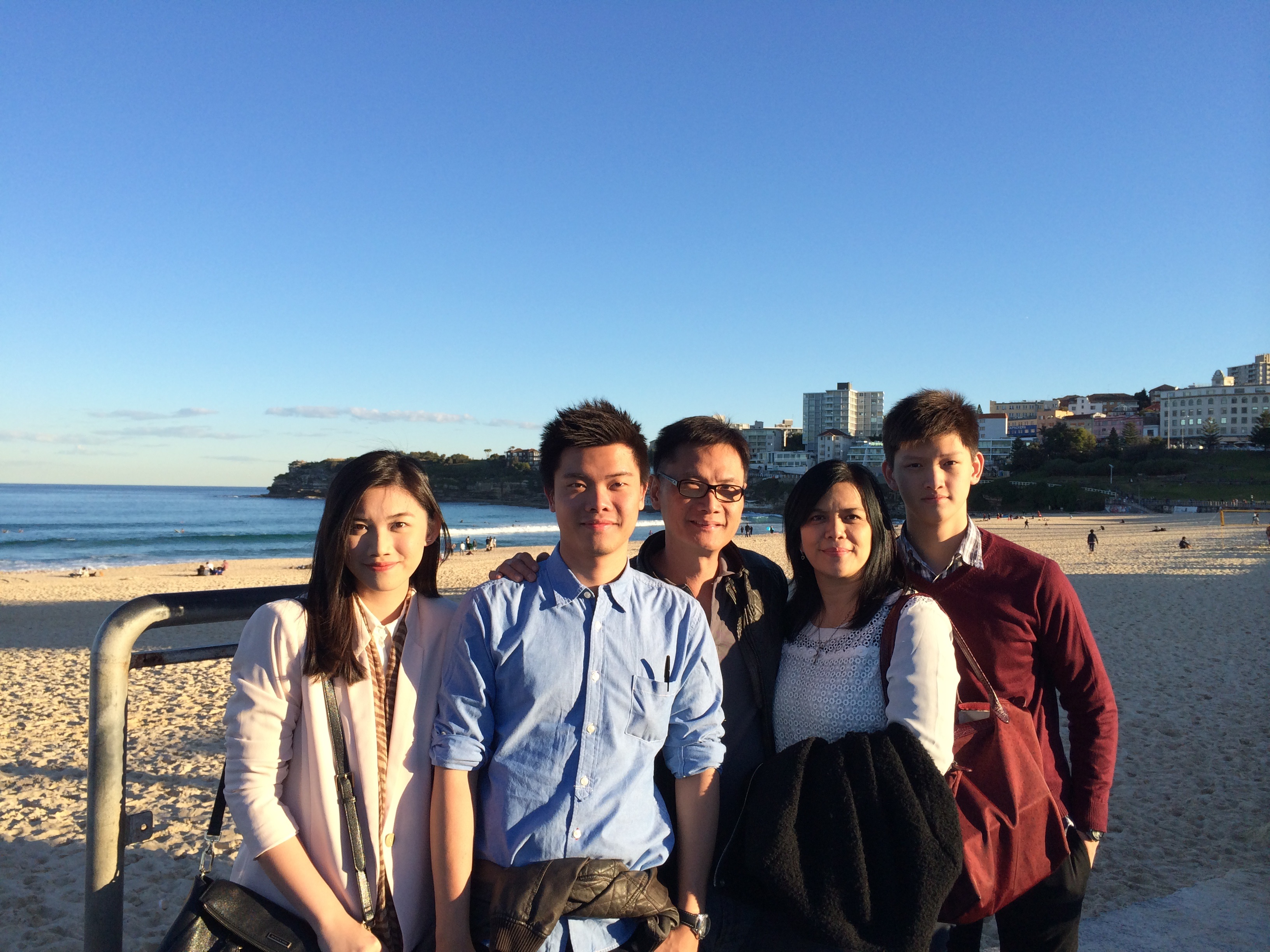 Bondi Beach Family Snap