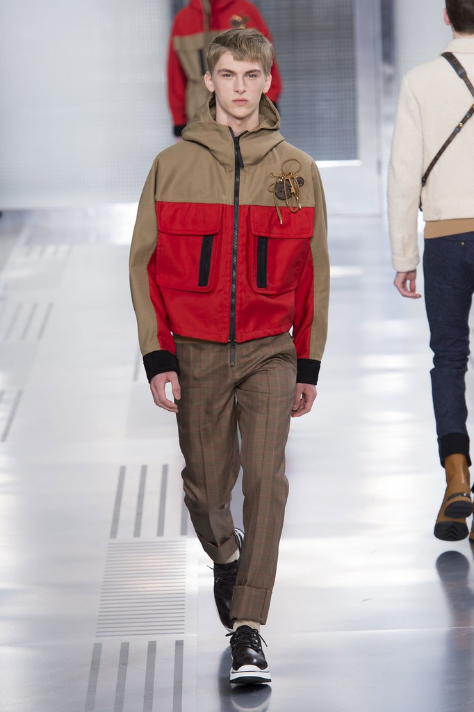 Dominik Sadoch3264_FW15 Paris Louis Vuitton(fashionising.com)