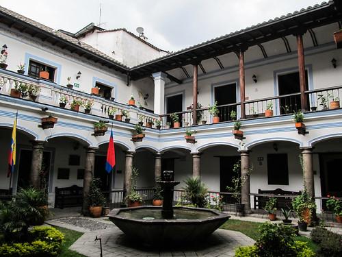 Quito: la Casa Antonio José de Sucre. Jolie maison coloniale.