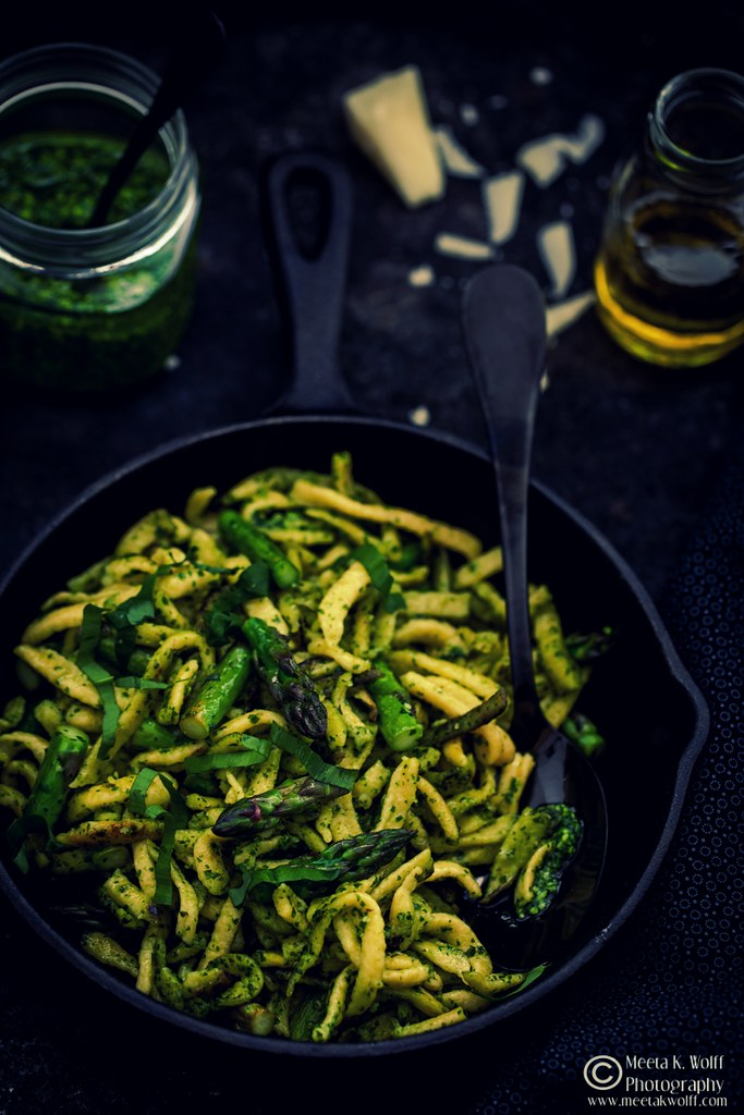 Wild Garlic Pesto-Spaetzle-Asparagus-Meeta-Wolff-0150-1