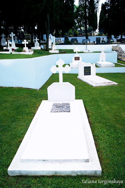 Церковное кладбище