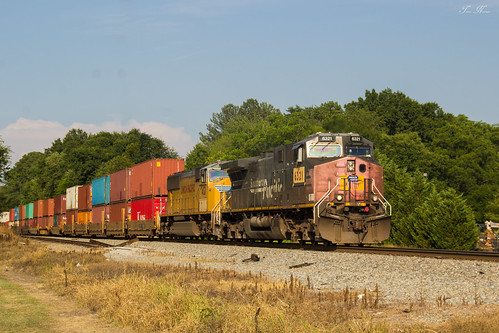 railroad up train georgia pacific union norfolk southern sp division freight rockmart intermodal sd70m ac44cw 23n