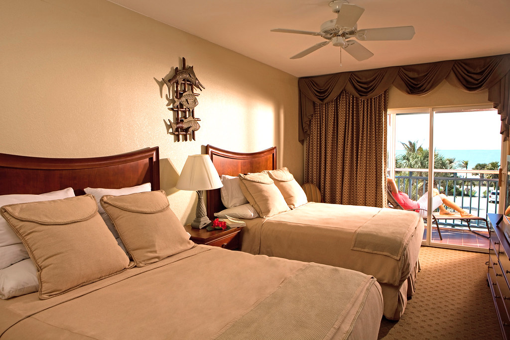 Spacious Rooms at 'Tween Waters Inn Island Resort