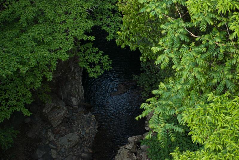 谷brook valley