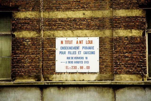 belgique bruxelles saint josse ten noode une plaque vieille de plusieurs dizaines d 39 ann es. Black Bedroom Furniture Sets. Home Design Ideas