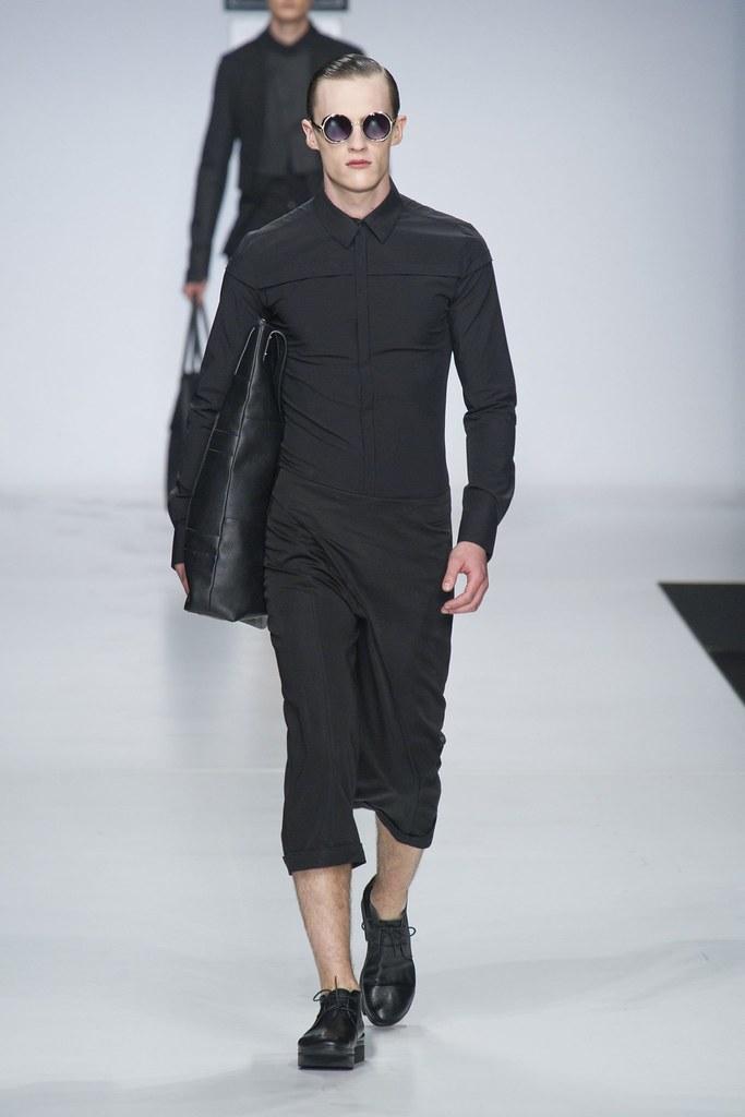 SS14 Milan Ji Wenbo032_Luka Badnjar(fashionising.com)
