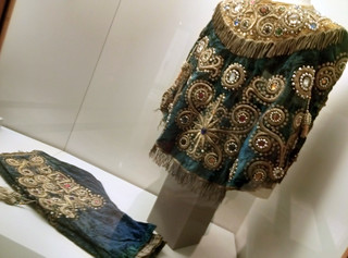 Los calzones forman parte de los ropajes típicos del Perú y países colindantes, guarda cierta similitud con trajes regionales de diversas zonas de España. Nuestro viaje al Perú, comienza en Madrid - 10383806123 b5e6cff0cc n - Nuestro viaje al Perú, comienza en Madrid