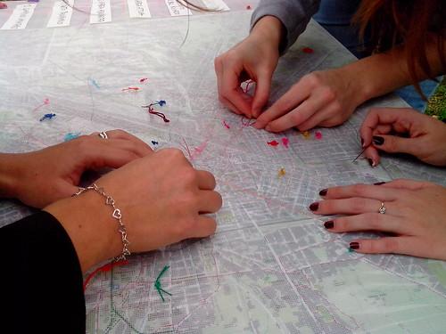 Ricamando la mappa di Milano by Ylbert Durishti