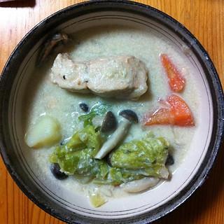 秋鮭の酒粕豆乳クリームシチュー #dinner 作った。美味しい!