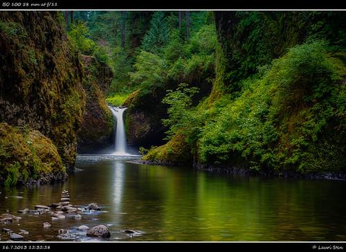 longexposure usa green nature water beautiful rock oregon portland landscape iso100 waterfall rocks view unitedstates pacific unitedstatesofamerica tranquility overcast serenity hdr multnomah columbiarivergorge eaglecreek naturephotography eaglecreektrail cascadelocks punchbowlfalls natureview canonef24105mmf4lisusm northwestusa clifss amateurphotography pacificrainforest canon5dmarkii