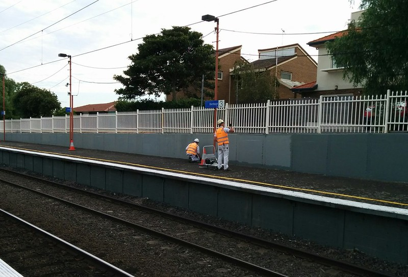 Repainting Bentleigh station