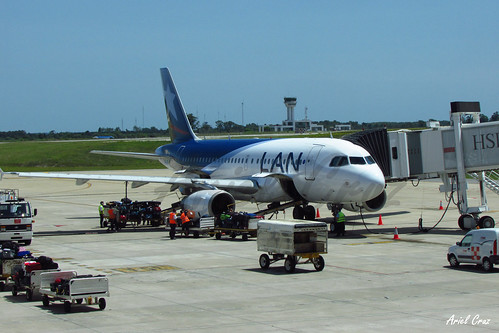 LAN Airlines - Airbus A319-100 CC-CYI - MVD Airport (Montevideo, Uruguay)