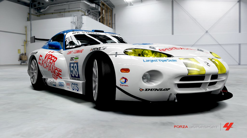 Dodge Viper GTS-R ViperExchange.com by Nova Star Racing North América