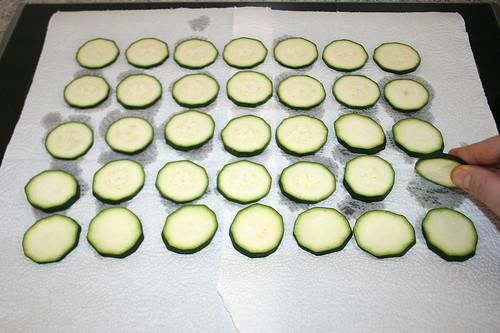 37 - Zucchini wenden / Turn zucchini