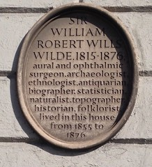 Photo of William Robert Wills Wilde brown plaque