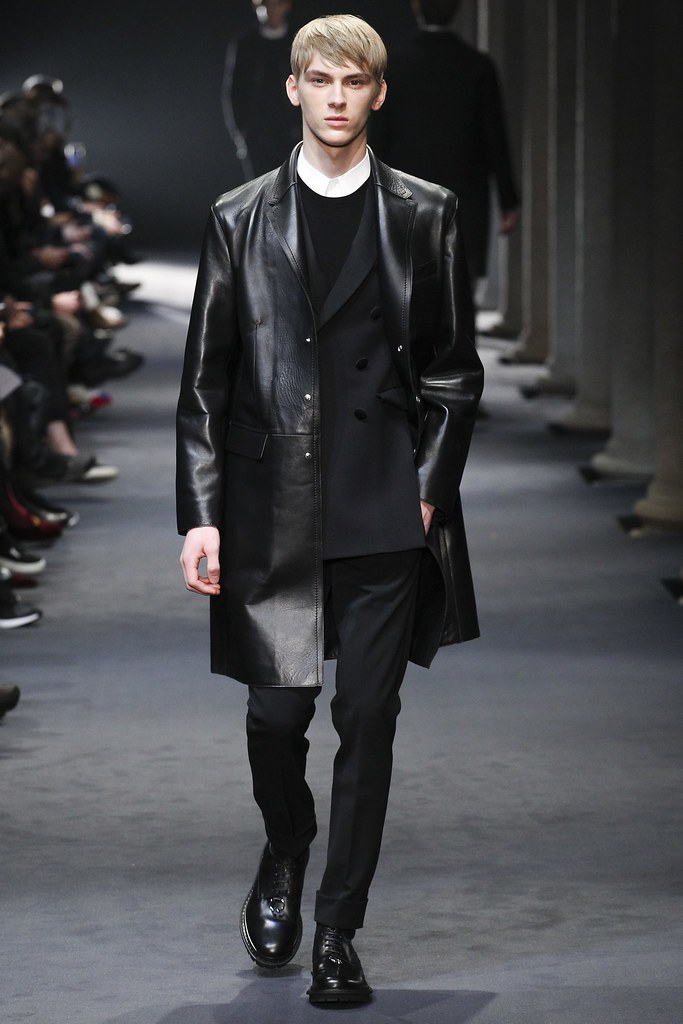 FW15 Milan Neil Barrett038_Dominik Sadoch(VOGUE)