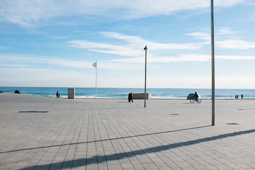 barcelona trip travel sea beach bicycle outdoors spain fav50 flag journey barceloneta finepix fujifilm catalunya wintersea barcelonetabeach fav10 fav25 provia400x mirrorless streeetphotography fujix100s x100s fujifilmx100s travel:spain=barcelona2015