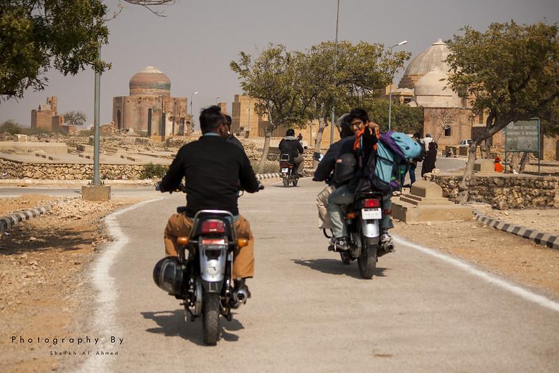 KTG Bikers short trip to makli graveyards thatta sindh - 16510685445 05ce88ef1a c