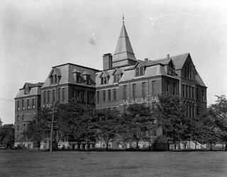 Dalhousie University, Halifax, Nova Scotia / Université Dalhousie à Halifax, Nouvelle-Écosse