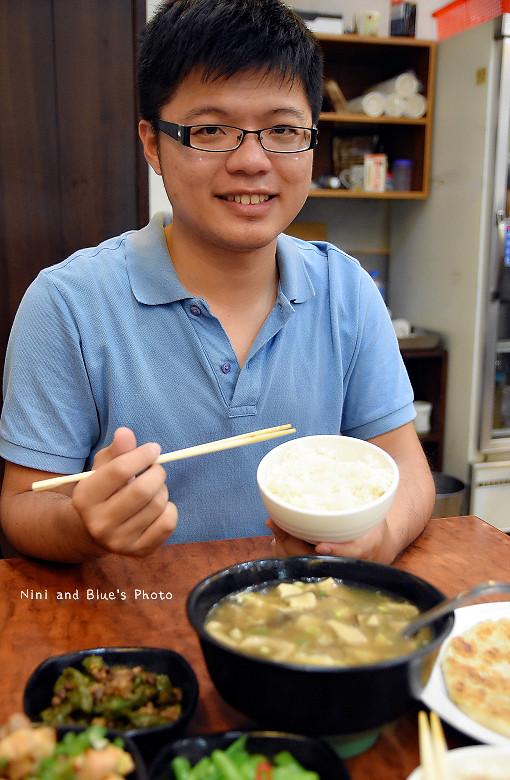 台中美食平價小吃北平路麵食館利居14