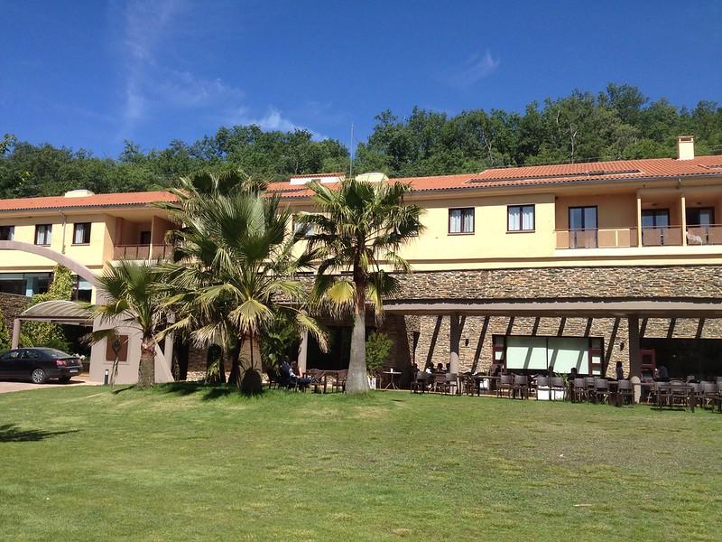 Fachada principal del Balneario del Valle del Jerte