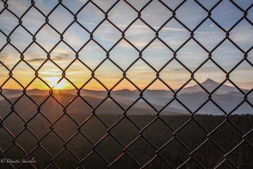 usa nature fog oregon sunrise landscape northwest image unitedstatesofamerica creative cascades mthood pacificnorthwest capture sunrays goodmorning westcoast larchmountain sherrardpoint dimitristucolov