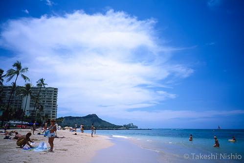 ビーチからダイヤモンドヘッドを望む / Seeing Diamond Head from beach