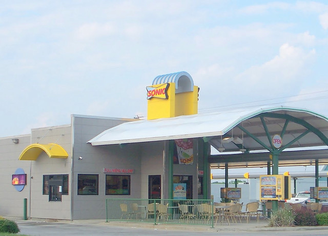 SONIC-Drive-In-Fast-Food-Restaurant-Cordele-Georgia