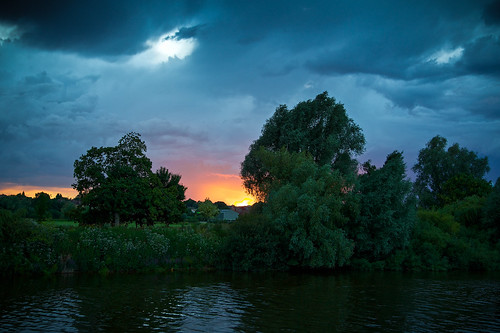 storm clouds canon river eos day severn worcestershire worcester 5dmarkiii