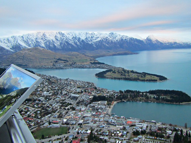 Queenstown nz panorama of queenstown and lake wakatipu for Panorama terrace queenstown