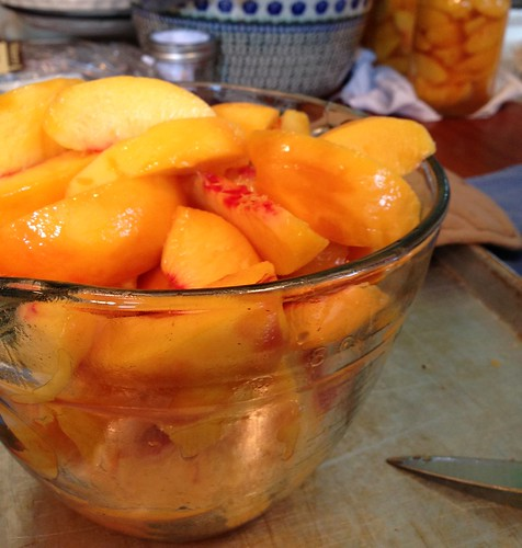 canning peaches