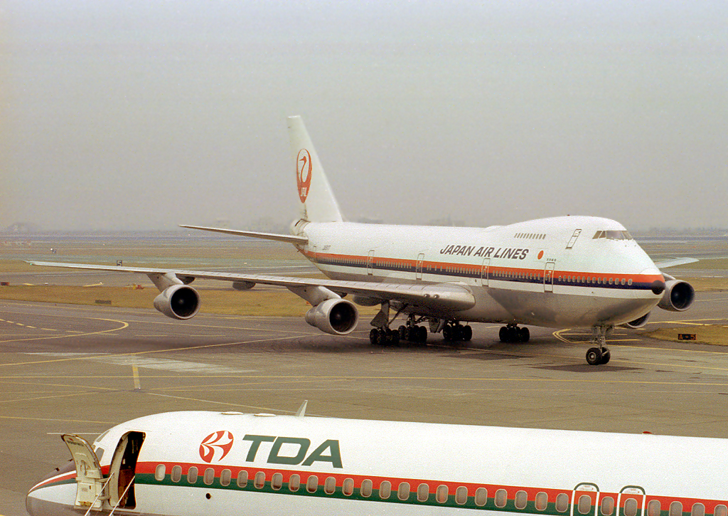 JA8117 | Boeing 747SR-46 | Japan Air Lines - JAL
