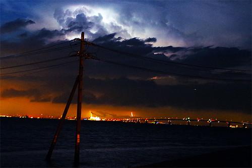 lightning with Tokyo Bay Aqua-Line