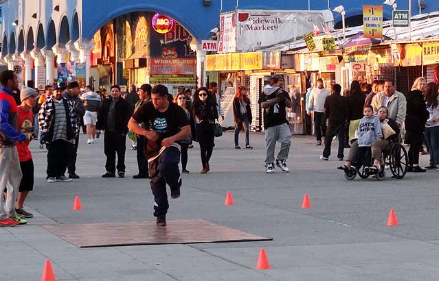 venice-street-dancer