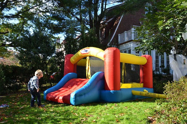 Everett And The Bouncy Castle Explore Joe Shlabotnik 39 S Pho Flickr Photo Sharing