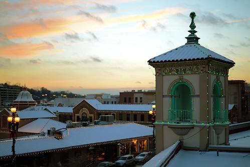christmas plaza sunset kansascity kc countryclubplaza kcmo plazalights nikondf snowykc