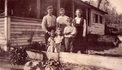Ben Hawver Family ca 1918