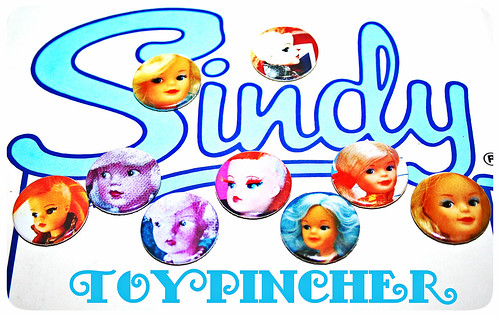 TOYPINCHER SINDY BADGES